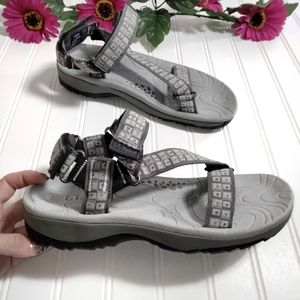 L. L. Bean strappy nylon gray print hiking sandals